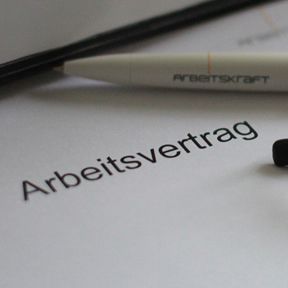 Arbeitskraft - Arbeitsvertrag